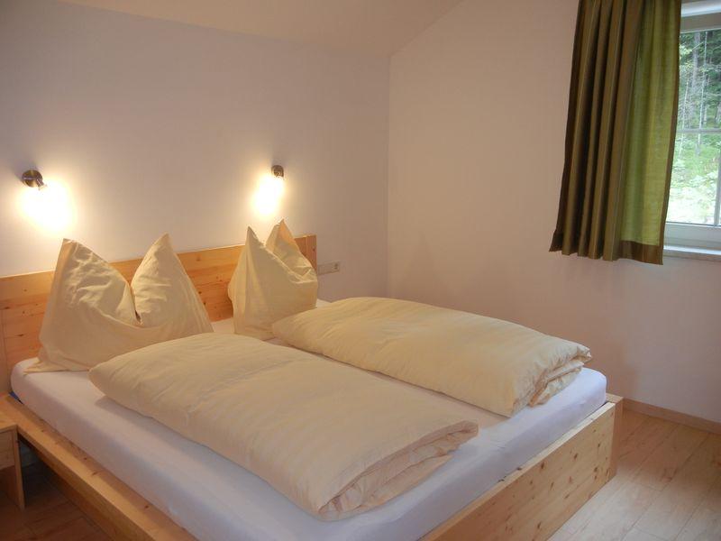Schlafzimmer Nr. 2 - Ferienwohnung - Haus Terra